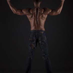 Daniel Hammaecher - showing back