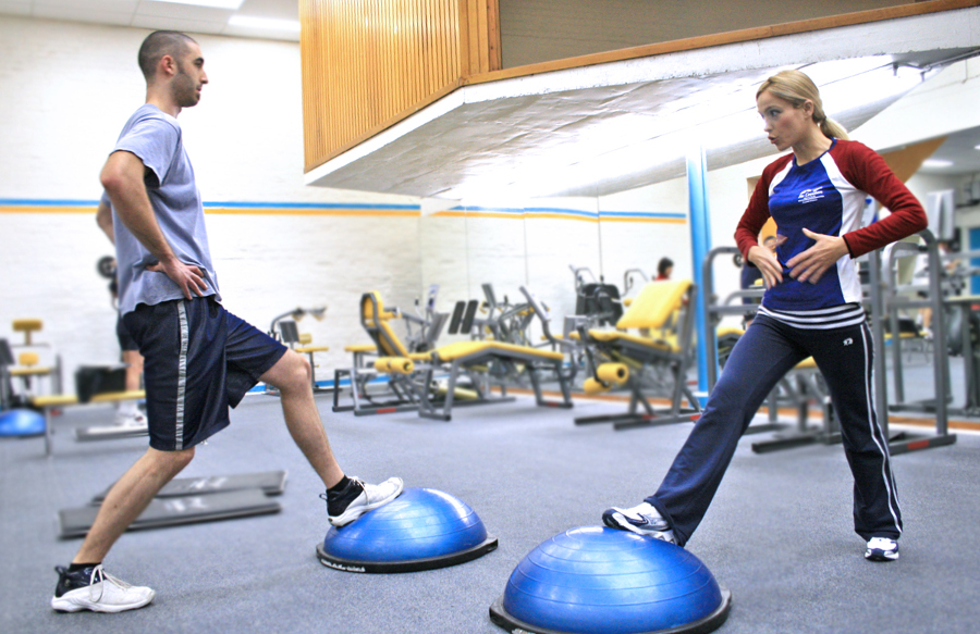 How to go from gym instructor to personal trainer in 3 doable stages