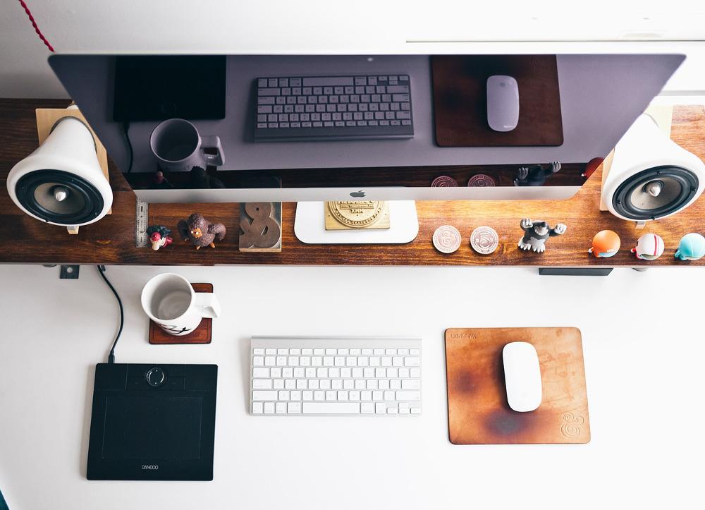 imac and desk essentials