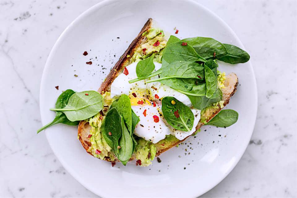 eggs, avocado, spinach, toast, abs